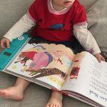 Den sjungande barnkammarboken är en stor favorit. Det är också lätt för föräldrarna när man får melodierna med ett knapptryck.